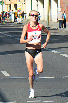 230px-Paula_Radcliffe_at_the_Berlin_Marathon_2011 (1)